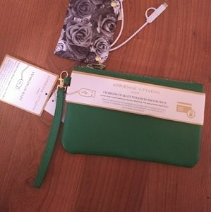 Adrienne Vittadini charging wallet RFID protection